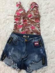Body e Shorts Jeans