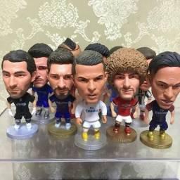 Estatuetas astros do futebol