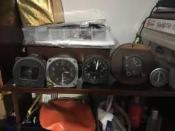 Instrumentos avião altímetro, bússola