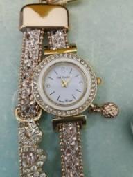 Relógio dourado NOVO