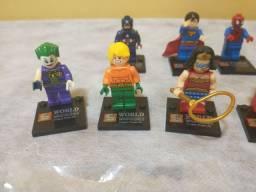 Boneco Super heróis (tipo lego)