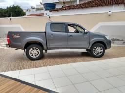 Picape Hilux 2012 automática - 2012
