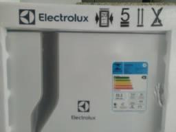 Geladeira Electrolux RE31 240L zero com NF