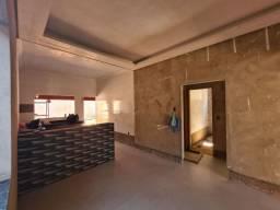 Casa com 3 quartos sendo uma suite , bairro Santa Rosa.