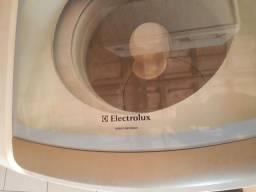 Título do anúncio: Electrolux 10 kg em perfeito funcionamento.  400 reais