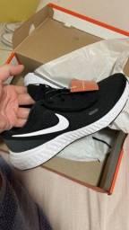 Título do anúncio: Tênis Nike original tam 41