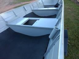 Título do anúncio: Vendo barco e carretinha