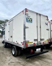 Título do anúncio: RI- caminhão volkswagen vw 8120 baú frigorifico 2017