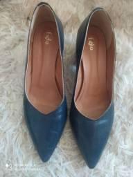 Sapato estilo scarpin com salto quadrado Tam 39