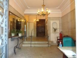Apartamento em Copacabana, 2 quartos com dependências completas