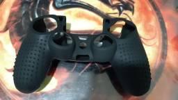 Título do anúncio: Capa de silicone + par de grips controle PS4