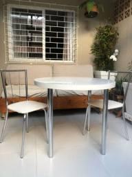 Mesa branca redonda com cadeiras, CARRARO