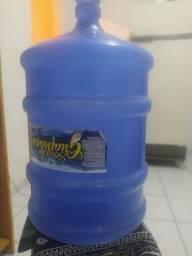 Título do anúncio: Galão de Água Vazio 20 litros