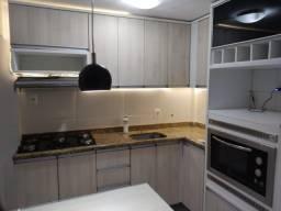 Título do anúncio: Apartamento com cozinha planejada, 2 qts, porcelanato, blindex em Padre Miguel