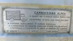 Baú para caminhão (4 × 2)