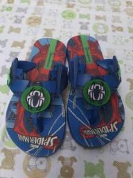 Chinelo e sandália do homem aranha