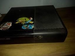 Título do anúncio: Xbox 360 (problema no processador)