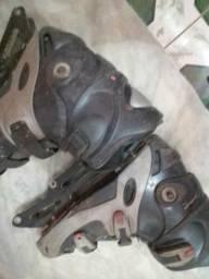 Vendo carcaça de patins 50 reais numero 37 a40 faço entrega