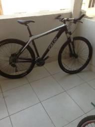 Bicicleta Caloi Elite 10 - Upgrade Shimano Deore 30 v