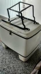 Baú para Moto - capacidade de 90 litros - feito de fibra de vidro