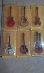 Réplicas em miniaturas guitarras e violões de mitos do rock: 18 unidades