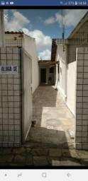 Aluga-se casa com um quarto em Mangabeira 1