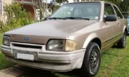Ford Escort L 1.6 92 gasolina - 1996