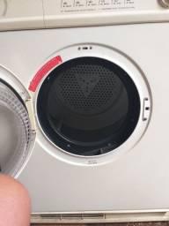 Máquina de secar roupas