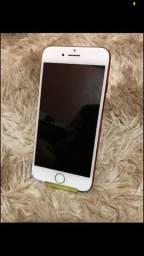 iPhone 7 Red - 128GB.  Troco por outro com volta pra mim.