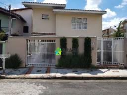 Casa com 3 dormitórios à venda, 210 m² por R$ 750.000,00 - Jardim Amaryllis - Poços de Cal