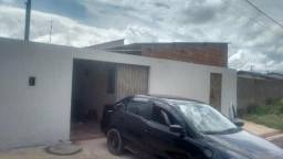 Troco casa em Formosa Goiás..
