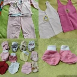 Título do anúncio: Lote de roupas femininas (RN-03 meses)