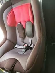 Cadeirinha de carro para bebê praticamente nova