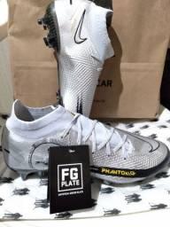 Chuteira Nike Profissional