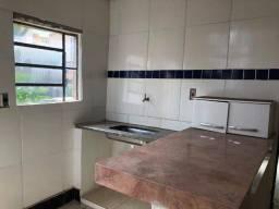 Título do anúncio: Casa pra alugar no bairro Lagoinha/Centro