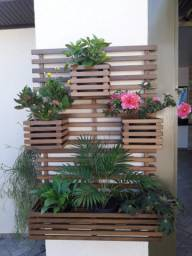 Floreira na madeira de itauba