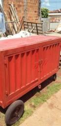 Vendo um container traspotante de material de ferramentas de trabalho
