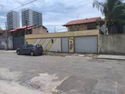 """Título do anúncio: Casa á venda no melhor da """"Região Água Fria"""", com 455m2, 5 quartos, sendo 4 suítes. Locali"""