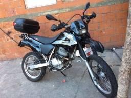 Título do anúncio: troco por moto custom ou pcx
