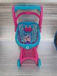 Super -mercadinho  imaginativa, (  calesita) tem espaço  pra levar a boneca.