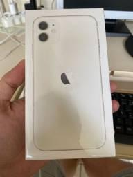iPhone 11 branco 128gb novo lacrado com nota fiscal e garantia