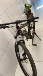 Bike first quadro 17,5 menos de 100 km rodados