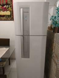 Título do anúncio: Refrigerandor Electrolux Df42
