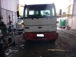 Ford Cargo 1417 - 2001- com Munck de 20 toneladas