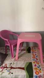 Título do anúncio: Mesa e cadeira infantil