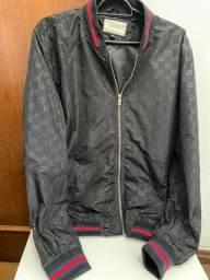 Título do anúncio: Gucci (autêntica) - Jaqueta Bomber Gucci Unissex Preta, tam XL, semi-nova - Pix R$ 898,00