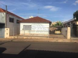 Casa à venda com 3 dormitórios em X, Jaboticabal cod:V4128