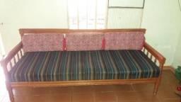 Sofa de madeira antigo