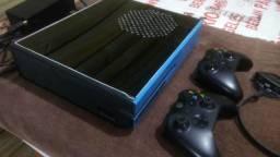 Xbox one personalizado 1.000 gigas de hd e 2 controles