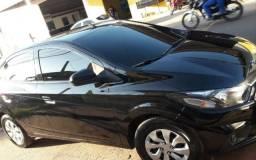 Vendo um carro ônix LT completo - 2019